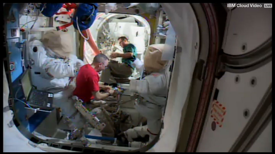 Работа на борту МКС