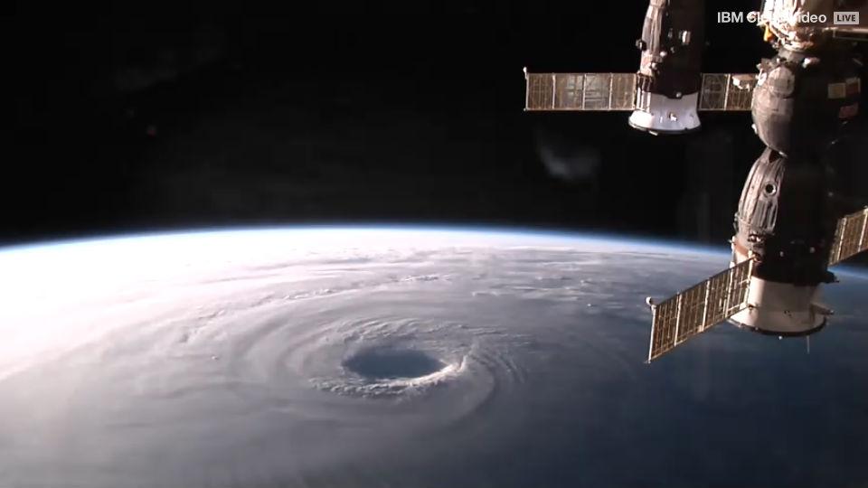 Циклон - вид из космоса