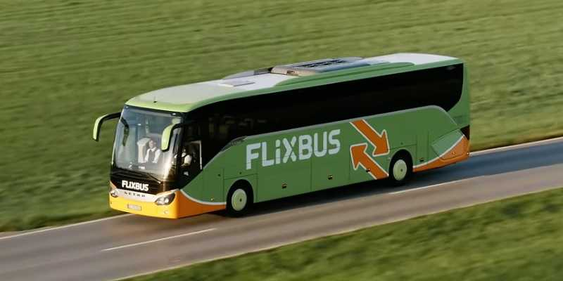 Автобус FlixBus на трассе