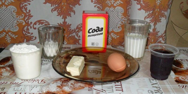 Ингредиенты для приготовления кекса на кефире с вареньем