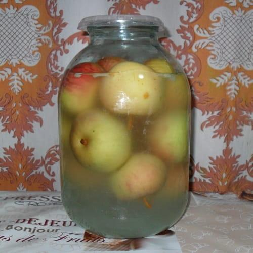 Моченые яблоки в трехлитровой банке
